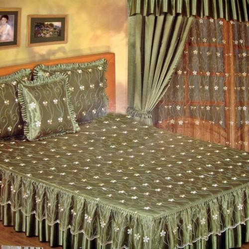 комплект для спальни покрывало на двухспальную кровать и шторы