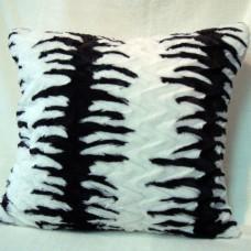 Чехол  на подушку из искусственного меха А9876 на молнии 50/50см