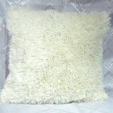 Чехол на подушку декоративный из искусственного меха 50*50 молочного цвета